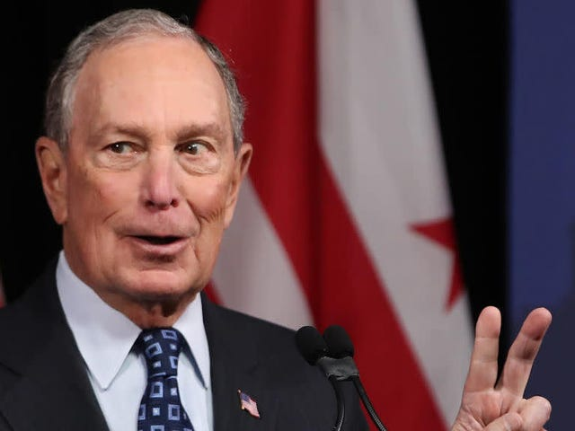 Mike Bloombergs Kampagne hofft, dass Influencer ihn für die Wähler hip erscheinen lassen