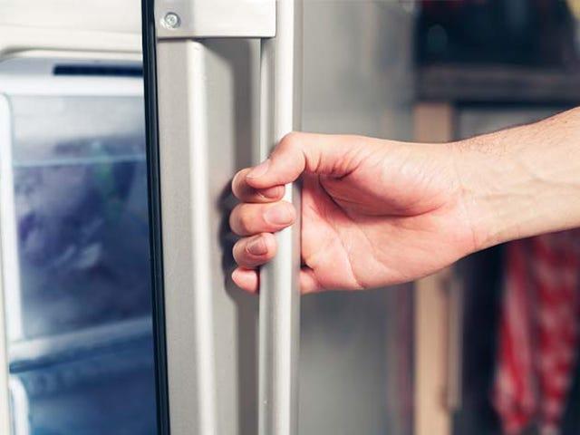 Por qué es tan difícil abrir el congelador inmediatamente después de cerrarlo (y por qué el efecto dura segundos)