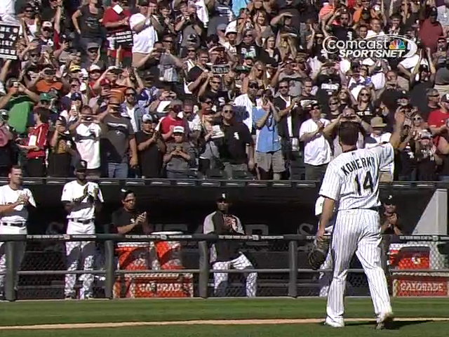 Paul Konerko Leaves Final White Sox Game To A Standing Ovation