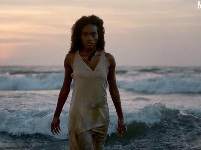 Zamanın Dışında Bir Cadı Hakkında Bir Netflix Şovu Siempre Bruja'nın Fragmanını İzleyin