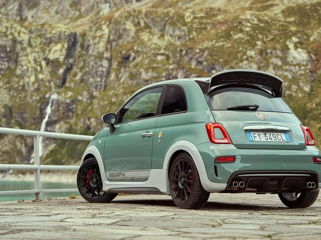 Just Look At This Ludicrous Abarth 695 70° Anniversario