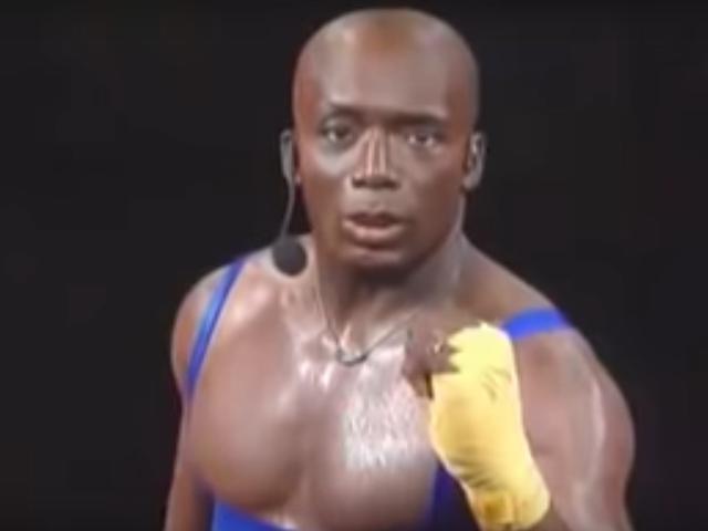 Puedes encontrar tus videos favoritos de ejercicios retro en YouTube