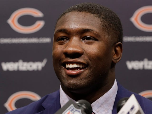 Dopey Chicago Sports Columnist Apologizes For Nonsensical Roquan Smith Take