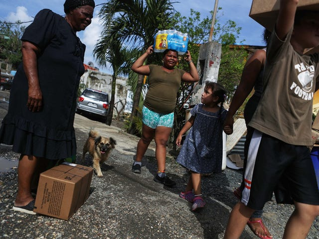 FEMA Now Says It Won't Cut Off Food and Water Aid to Puerto Rico