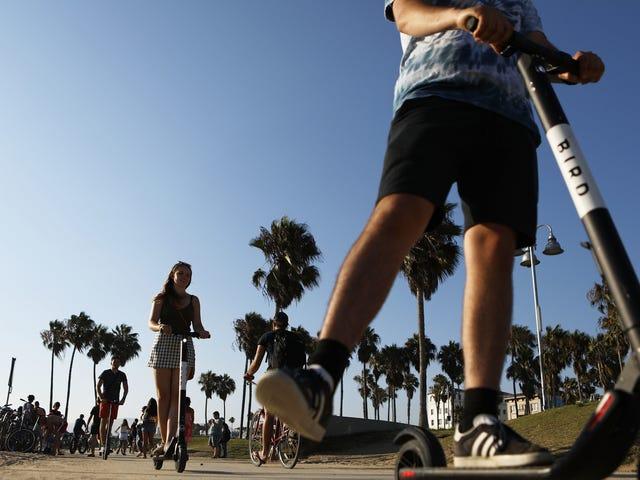 LA-viranomaiset veloittavat ensimmäisen e-skootterin ajajan DUI: lla sen jälkeen kun BAC oli kolme kertaa laillinen