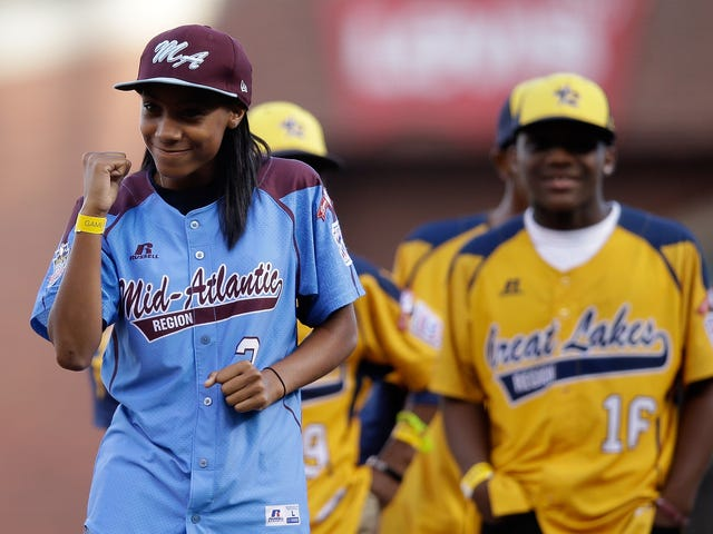 Ang Little League World Series Star Pitcher na si Mo'ne Davis ay Naghahain ng kanyang Mga Talento sa Hampton University