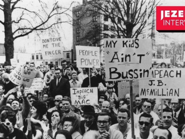 "In Busing, Joe Biden e ""Pervasiveness of White Backlash to School Desegregation"""
