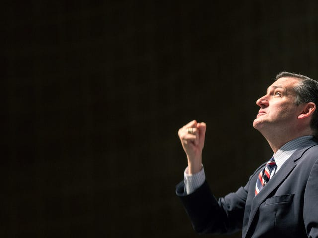 Sen Ted Cruz fangede Gazing på et foto af Rival Beto O'Rourke