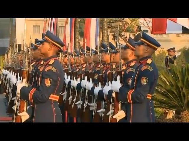 Слухайте Єгипетську армійську групу веселого м'ясника Французький національний гімн