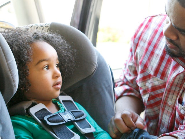 How to Stop Your Kid From Trying to Escape Out of a Car Seat [Updated]