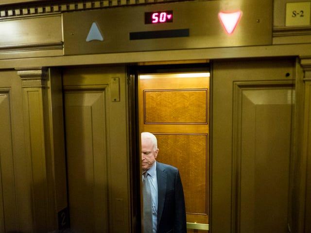 John McCain promete desafiar os resultados das eleições