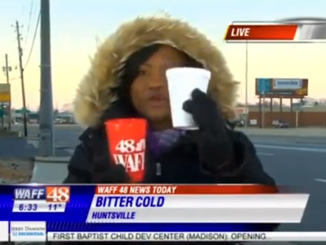 アラバマニュースステーションは、寒いときに水が凍結すると報告