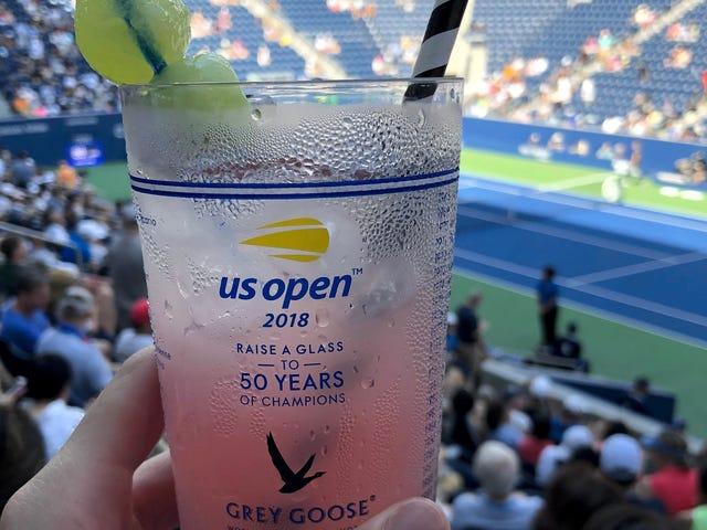 PS: Vous avez probablement accès à des collations et des boissons gratuites à l'US Open.  Il suffit de vérifier votre portefeuille.