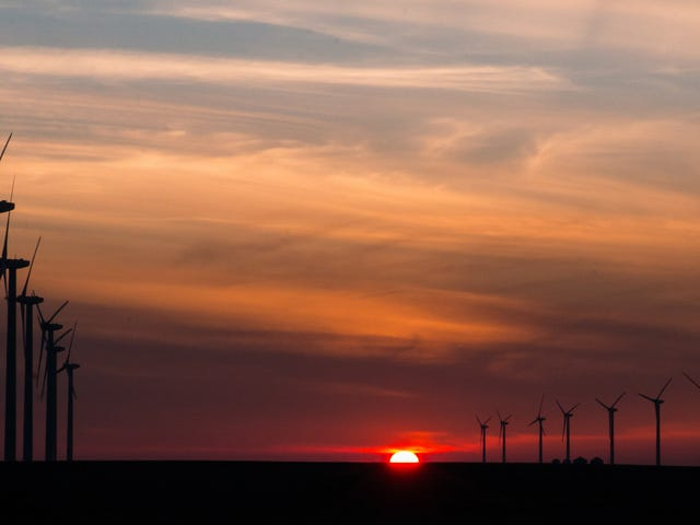 More Republicans Support Expanding Renewable Energy Than Fossil Fuels