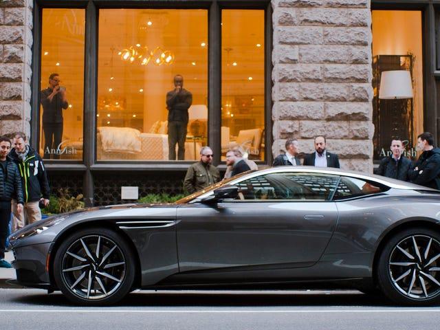 Big Big Loud Το Aston Martin DB11 έχει την κατάσταση της αθόρυβης εκκίνησης να μην φωνάζει σε εσάς
