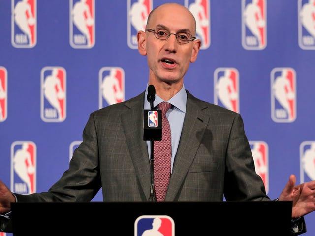 NBAのメモはチームとプレーヤーに国歌の間に抗議することを警告します