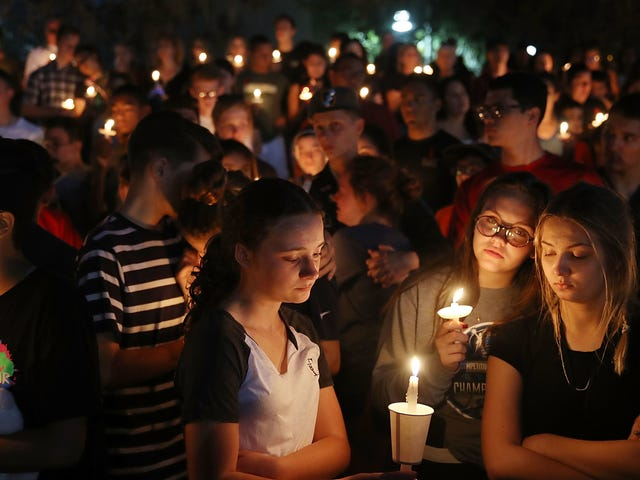 Sommige angstaanjagende anekdotes van New York Magazine's School Shooting Victims Cover Story