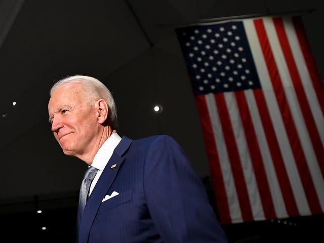 Một đêm tốt lành khác cho Joe Biden và một đêm rất tệ cho Bernie Sanders