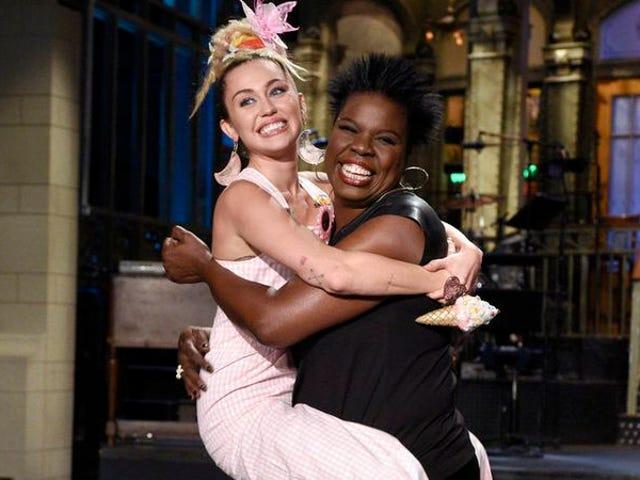 Une première de Saturday Night Live décevante offre au moins une chance à un membre de la distribution