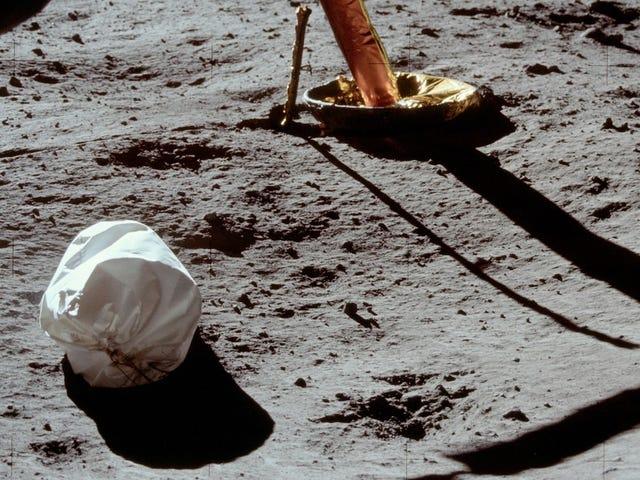 Vi må gå til månen - og ta med oss vår piss