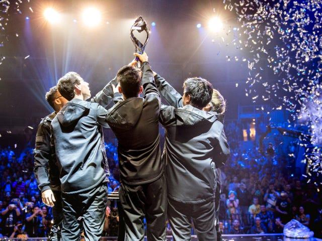 CLG και η νέα τους AD Carry κτύπησε Doublelift και την ομάδα SoloMid στο NA <i>League Of Legends</i> Final