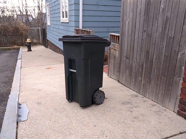 Denne selvkørende affaldsdåse husker at tage papirkurven til kantsten for dig
