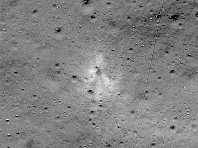 Peminat Angkasa Amatur Membantu NASA Cari Lunar Lander Terjejas India