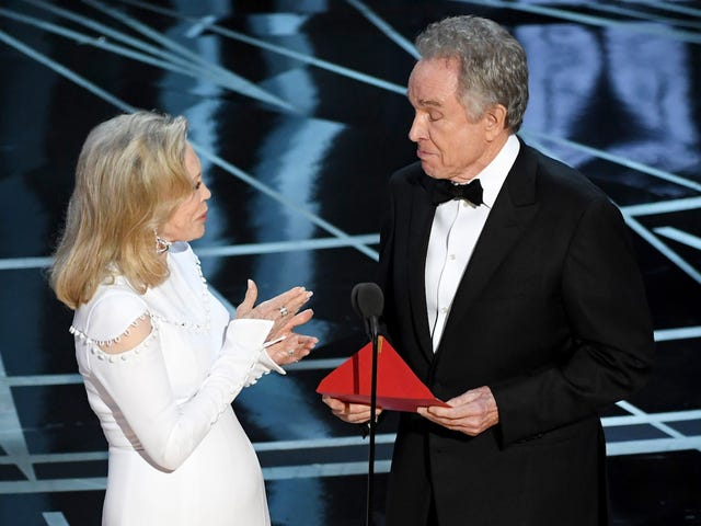 Faye Dunaway Is Still Wondering, 'Why Didn't I See Emma Stone's Name on the Top of the Card?'