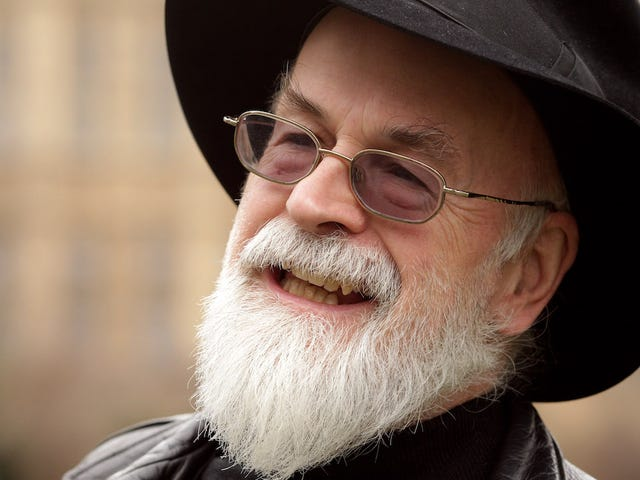 Terry Pratchett Predicted the Rise of Nazis Online During an Interview with Bill Gates in 1995