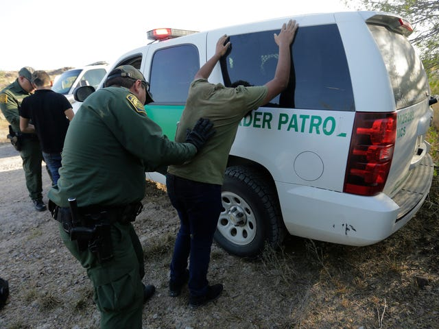 Trump Admin Plan to Collect DNA From Detained Migrants, Asylum Seekers Will Begin Soon