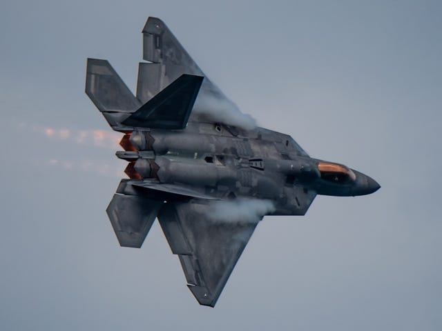 America's F-22 And F-35 Fighters Still Aren't As Ready As They Were Ordered To Be