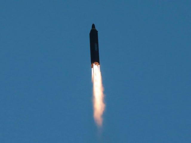 Estados Unidos prueba con éxito un sistema para derribar misiles nucleares ante la amenaza de Corea del Norte