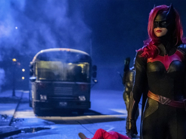 The CW's BatwomanPilot Is Actually Set Before Her Crossover Appearance