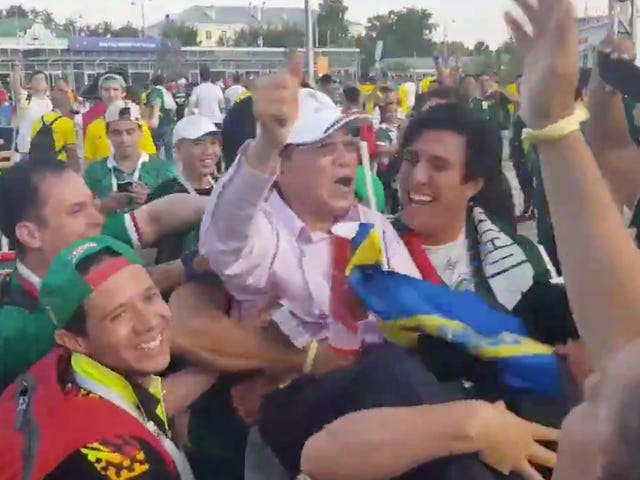 GratefulMexico Fans Are Treating South Korea Fans Like Royalty