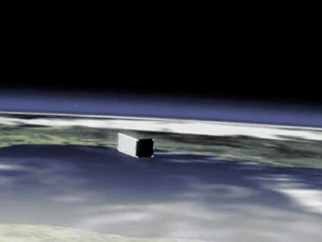 Redes, arpones y velas: la estación espacial internacional despliega su primer satélite de limpieza en órbita