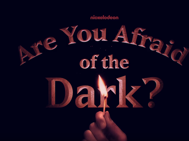 Nickelodeon's için Kısa Tanıtım Karanlıktan Korkuyor musunuz?  Yeniden başlatma, sadece doğru ürkütücü tür