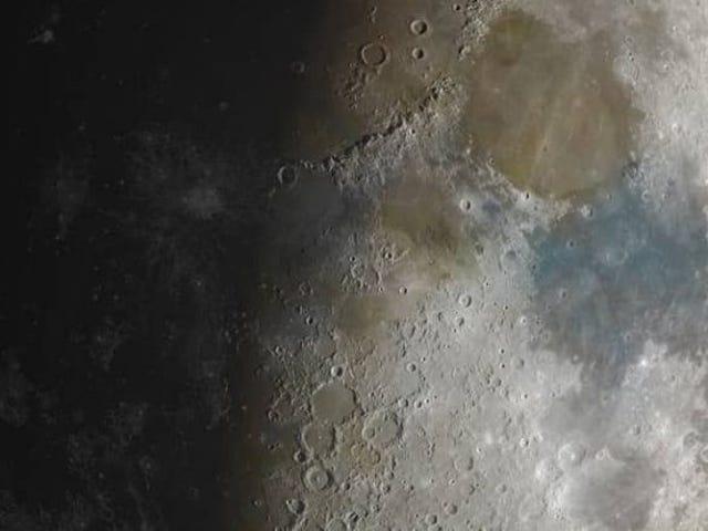 Du vil sjældent se månen i så detaljeret: et foto bestående af 100.000 øjebliksbilleder