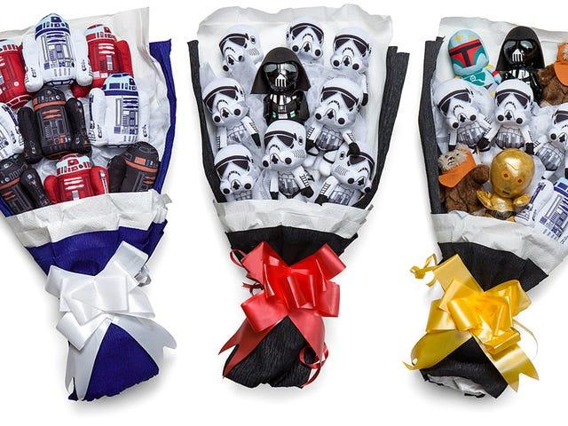 Stormtrooper의 꽃다발은 &#39;나는 당신을 사랑해 (그리고 <i>Star Wars</i> )&#39;라고 말하는 더 좋은 방법이다.