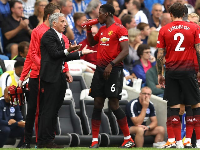 มีเพียงJosé Mourinho เท่านั้นที่สามารถช่วยแมนเชสเตอร์ยูไนเต็ดจากตัวเขาเอง