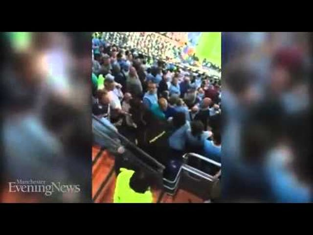 La polizia spagnola lancia le mani con i tifosi di Manchester City
