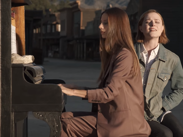 The Stars of Westworld Make 25-Minute Long 'Spoiler' Video Just to Troll Fans