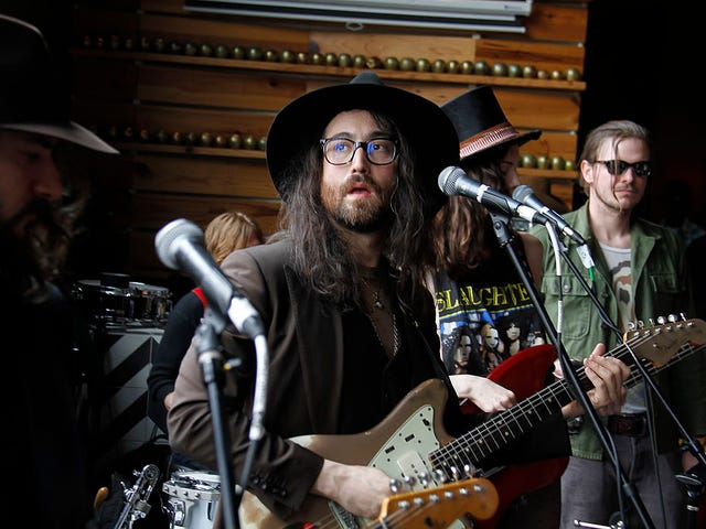 Sean Lennon Has An Opinion On Mansplaining He'd Like to Share