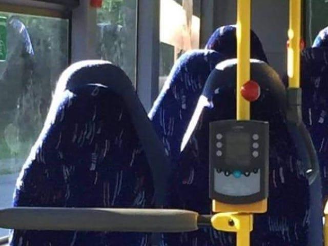 Racistas noruegos atacan en Facebook a unos asientos deautobúsvacíosporque pensaban que eran mujeres en burka <em></em><em></em>