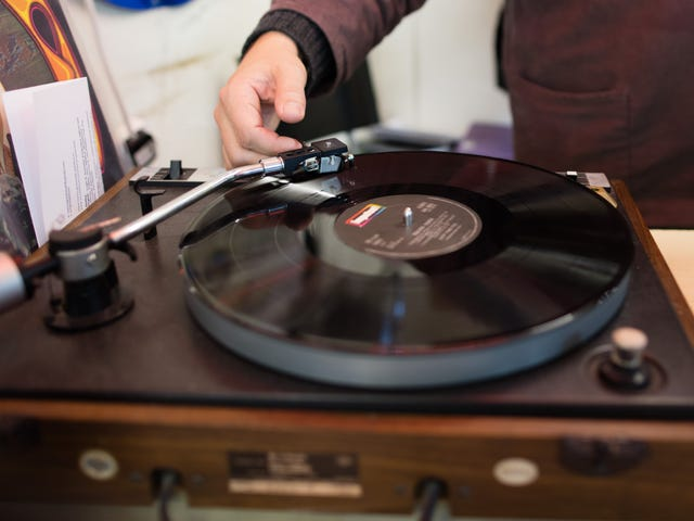 How to Select the Right Turntable for You