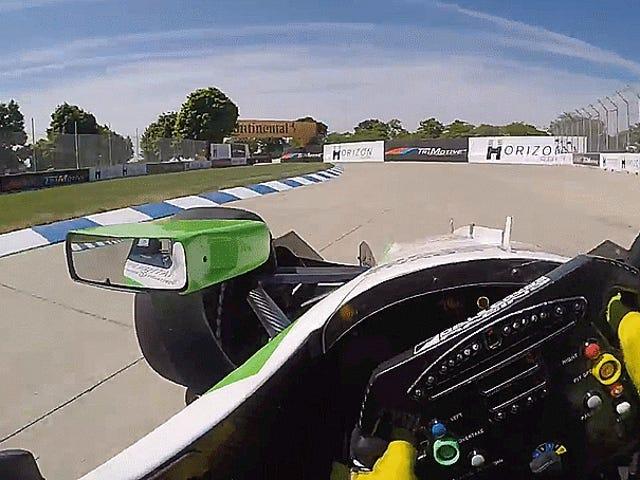 Поїздка навколо інтенсивного курсу вулиці IndyCar на Бель-Айле перед гонкою