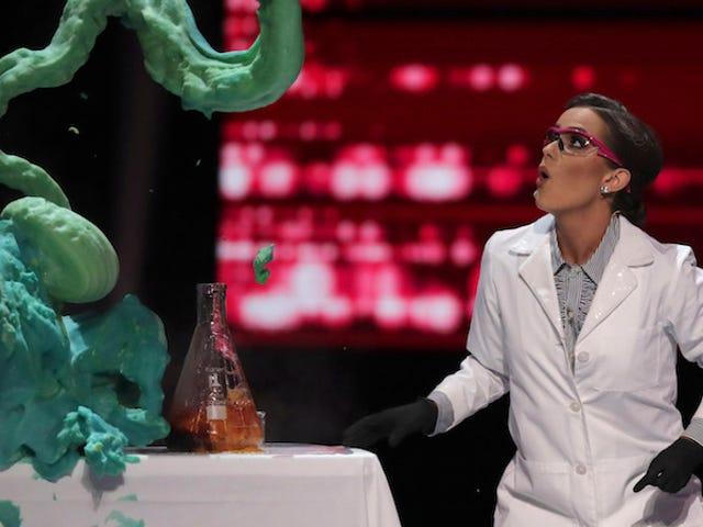 पहली बार, एक जैव रसायनज्ञ ने संयुक्त राज्य अमेरिका में मिस अमेरिका सौंदर्य प्रतियोगिता जीती है