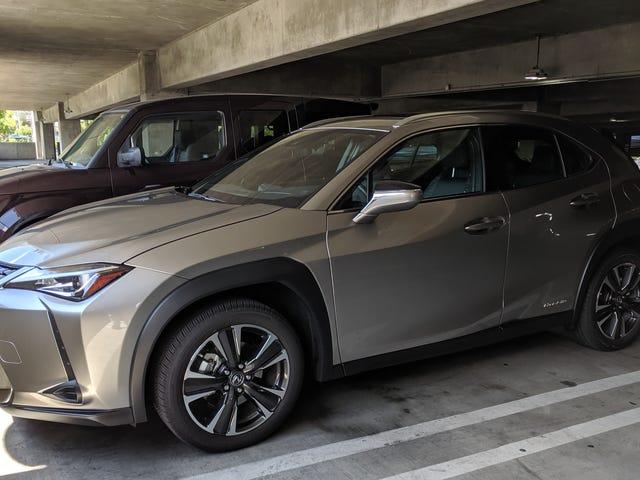 2019 Lexus UX 250h FWD ... ingen vent, AWD: The Oppositelock Quickie