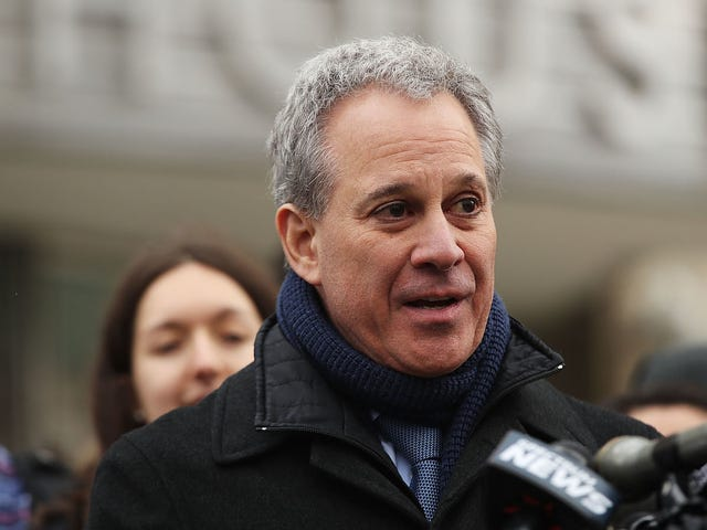 Former New York AG Eric Schneiderman Won't Face Criminal Charges Over Assault Allegations