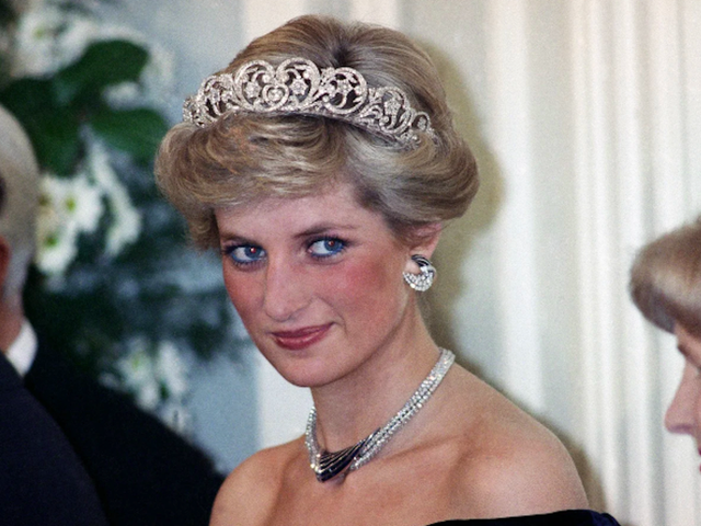 Princess Diana Once Shoved Her Stepmother Down a Flight of Stairs