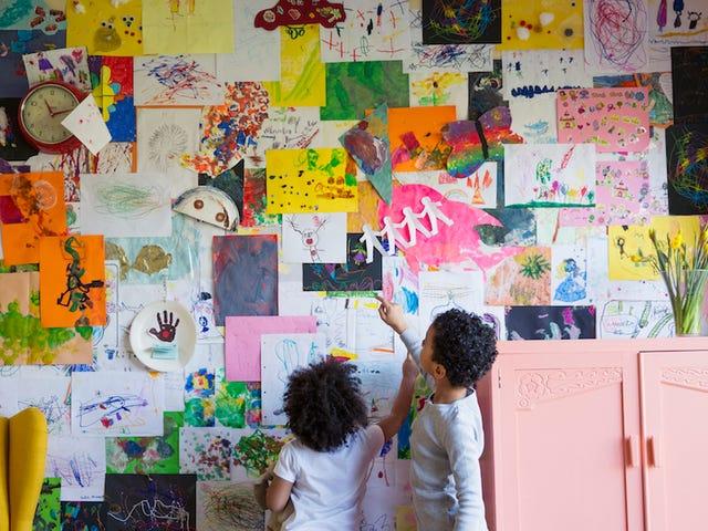 Vis ditt barns kunst på en ignorert vegg